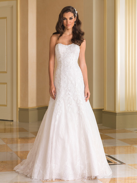 Style 8865 gown from the 2016 Justin Alexander collection, as seen on dressfinder.ca