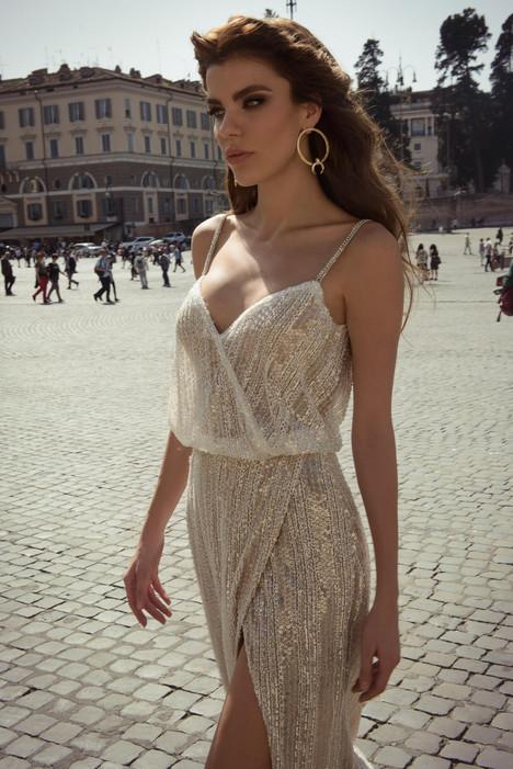 Junia (2) Wedding                                          dress by Julie Vino