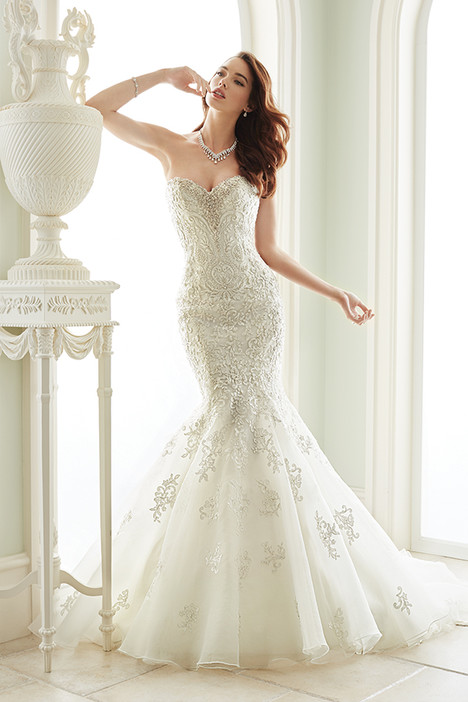 Vittoria (Y21664) gown from the 2016 Sophia Tolli collection, as seen on dressfinder.ca
