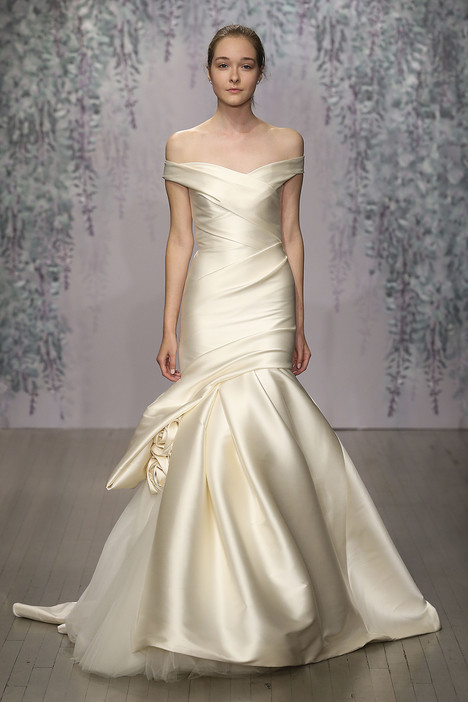 Aubrey gown from the 2016 Monique Lhuillier collection, as seen on dressfinder.ca