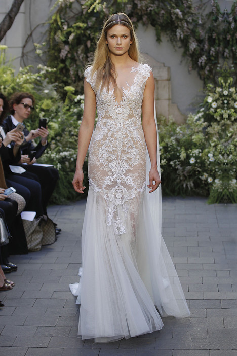 Love gown from the 2017 Monique Lhuillier collection, as seen on dressfinder.ca