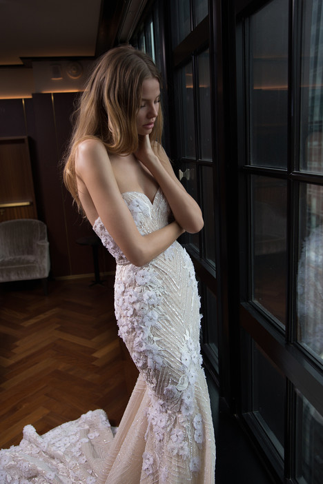 Style 16-104 gown from the 2016 Berta Bridal collection, as seen on dressfinder.ca