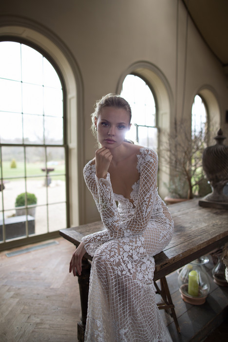 Style 16-123 gown from the 2016 Berta Bridal collection, as seen on dressfinder.ca