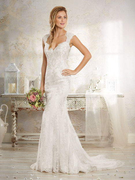 8551 Wedding                                          dress by Alfred Angelo : Modern Vintage Bridal