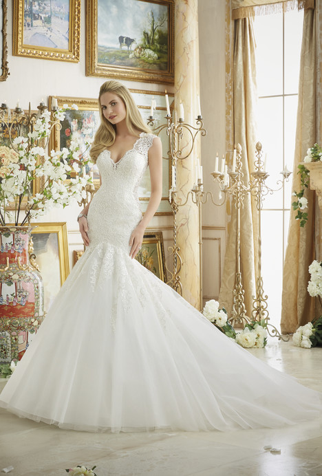 2882 gown from the 2016 Morilee Bridal collection, as seen on dressfinder.ca