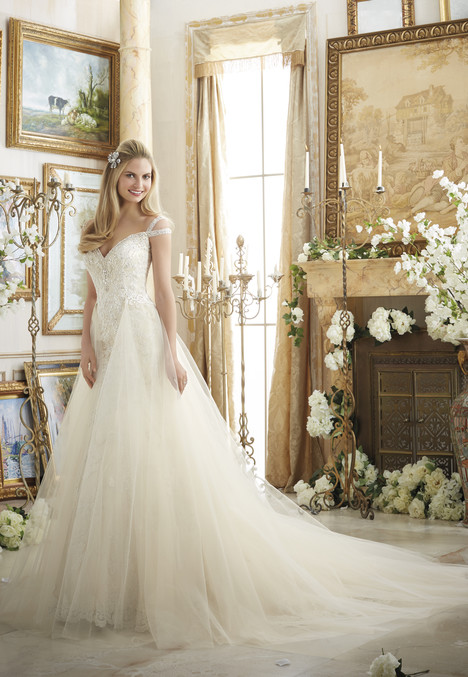 Style 2894 gown from the 2016 Morilee Bridal collection, as seen on dressfinder.ca