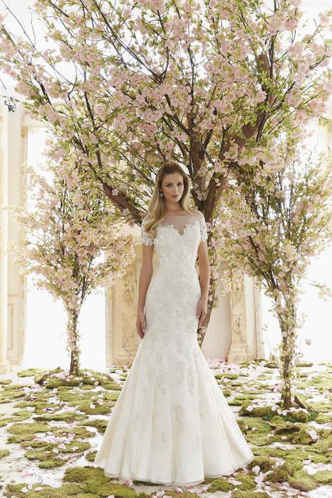 6832 Wedding                                          dress by Mori Lee: Voyage
