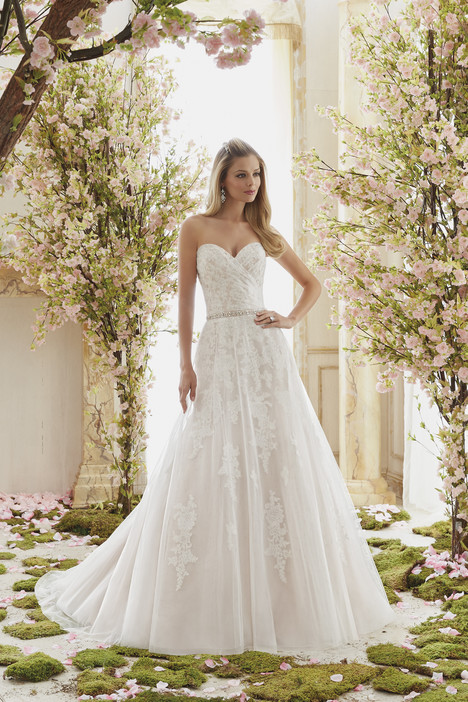 6834 Wedding                                          dress by Mori Lee: Voyage