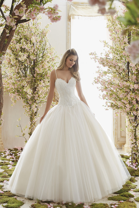 6838 Wedding                                          dress by Mori Lee: Voyage