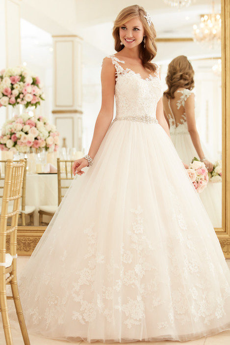 6268 gown from the 2016 Stella York collection, as seen on dressfinder.ca