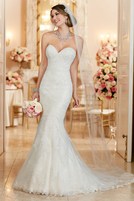 6286 gown from the 2016 Stella York collection, as seen on dressfinder.ca