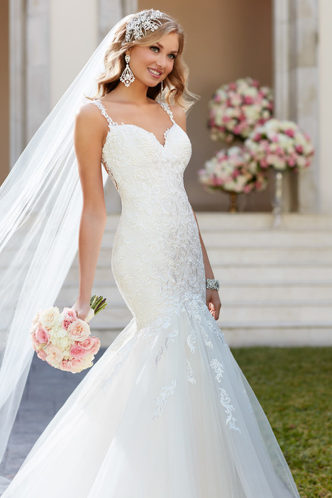 6314 gown from the 2016 Stella York collection, as seen on dressfinder.ca