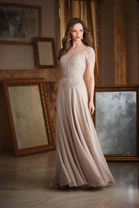 71406 gown from the 2016 MGNY Madeline Gardner collection, as seen on dressfinder.ca