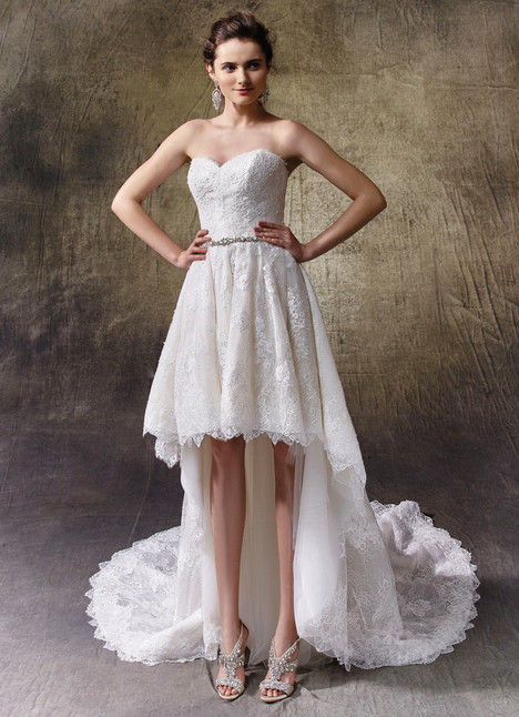 Letty gown from the 2017 Enzoani collection, as seen on dressfinder.ca