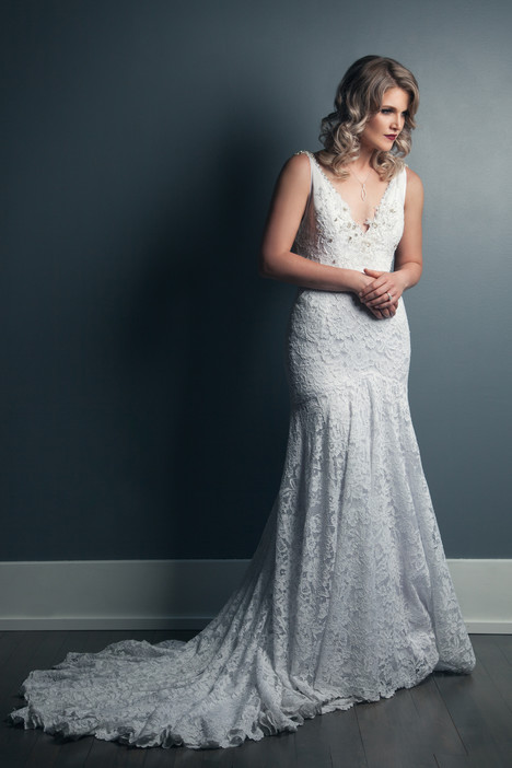 Katka Wedding                                          dress by Anna Lang