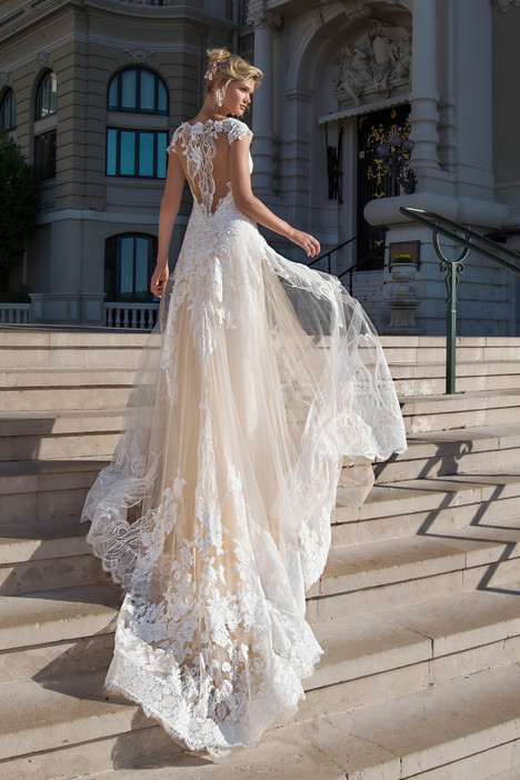 ARAB17602 (back) Wedding                                          dress by Alessandra Rinaudo