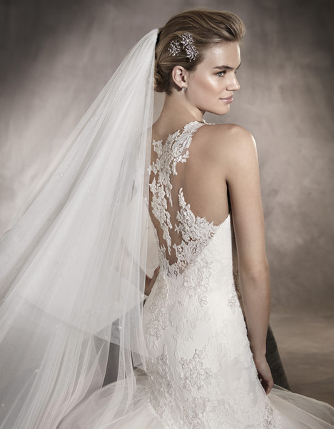 Ardith (back) gown from the 2017 Pronovias collection, as seen on dressfinder.ca