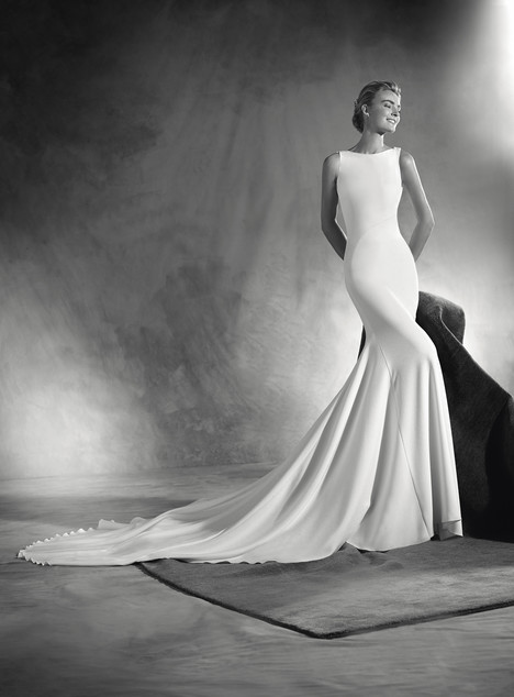 Eimi gown from the 2017 Pronovias Atelier collection, as seen on dressfinder.ca