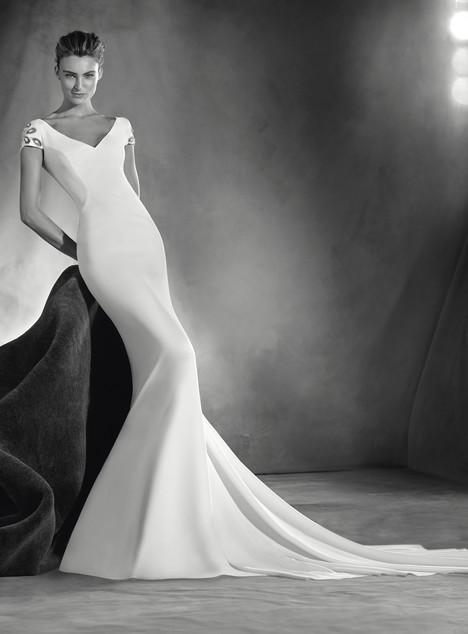 Elia gown from the 2017 Pronovias Atelier collection, as seen on dressfinder.ca