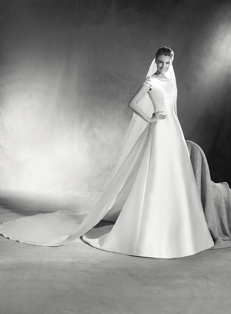 Emireth gown from the 2017 Pronovias Atelier collection, as seen on dressfinder.ca