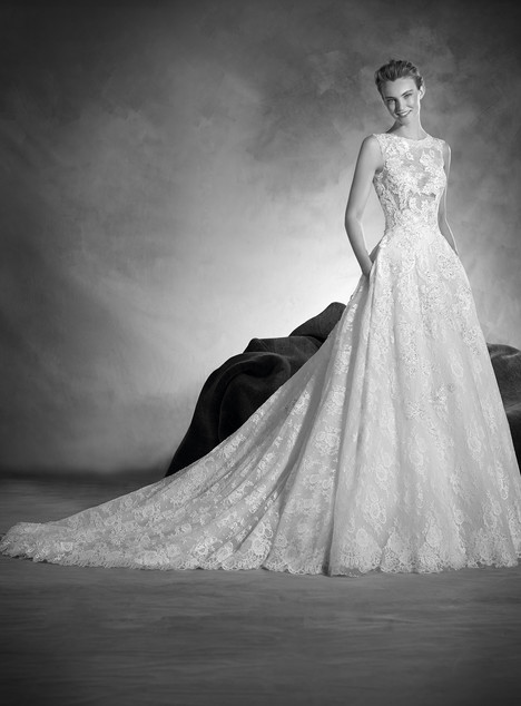 Naiara gown from the 2017 Pronovias Atelier collection, as seen on dressfinder.ca