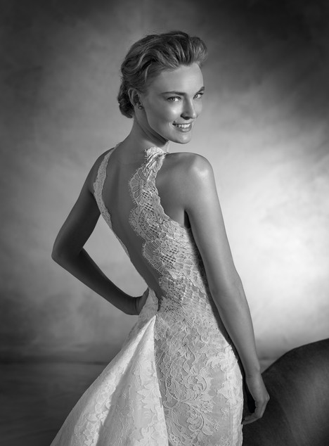 Nicaragua (back) gown from the 2017 Pronovias Atelier collection, as seen on dressfinder.ca