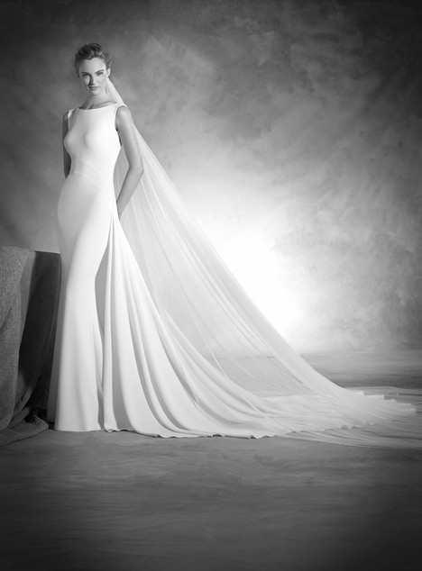 Niza gown from the 2017 Pronovias Atelier collection, as seen on dressfinder.ca