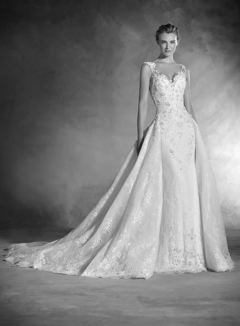 Novela gown from the 2017 Pronovias Atelier collection, as seen on dressfinder.ca