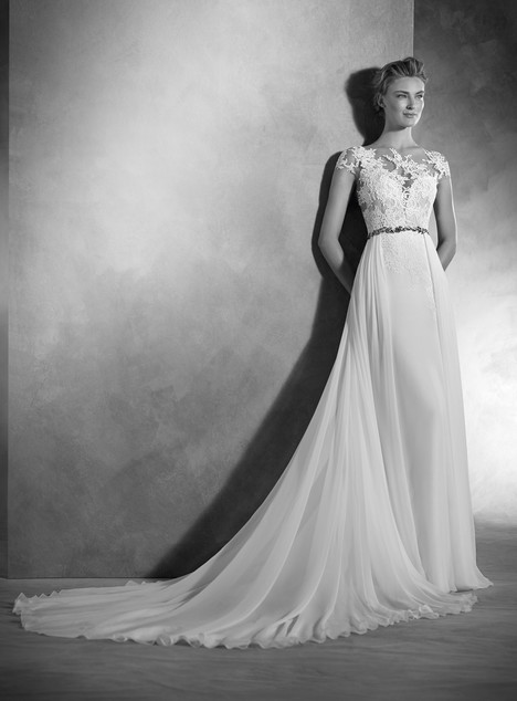 Nubio gown from the 2017 Pronovias Atelier collection, as seen on dressfinder.ca
