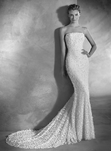Nuk gown from the 2017 Pronovias Atelier collection, as seen on dressfinder.ca