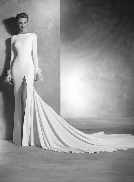 Nuria gown from the 2017 Pronovias Atelier collection, as seen on dressfinder.ca