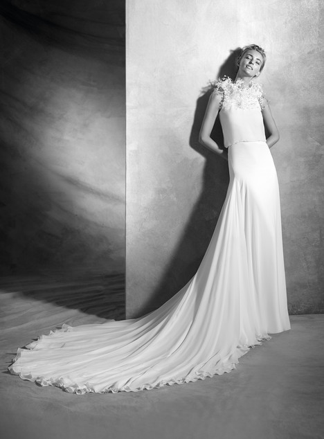 Veneto gown from the 2017 Pronovias Atelier collection, as seen on dressfinder.ca