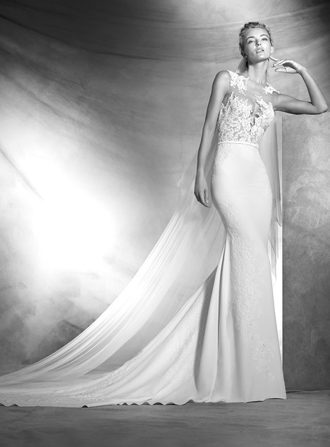Vicenta gown from the 2017 Pronovias Atelier collection, as seen on dressfinder.ca