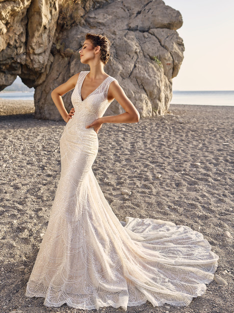 Lucia gown from the 2017 Eddy K Dreams collection, as seen on dressfinder.ca