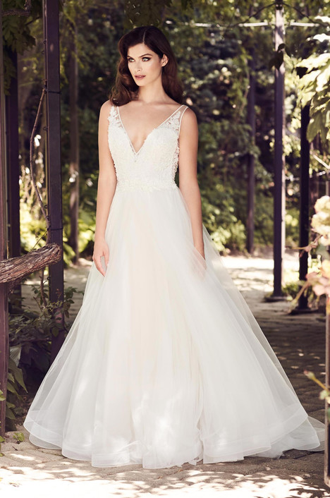 4727 Wedding                                          dress by Paloma Blanca