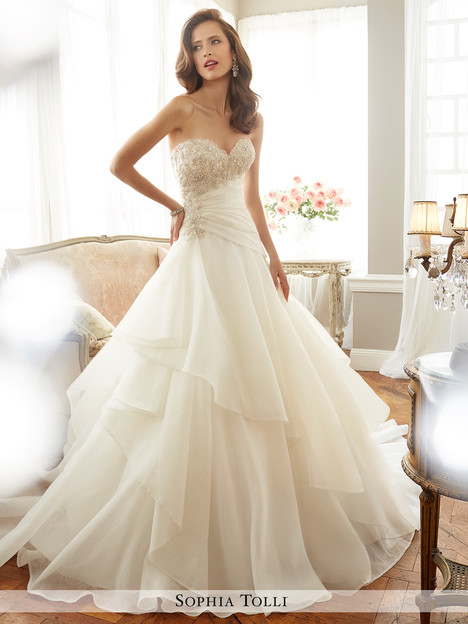 Bardot (Y11711) gown from the 2017 Sophia Tolli collection, as seen on dressfinder.ca