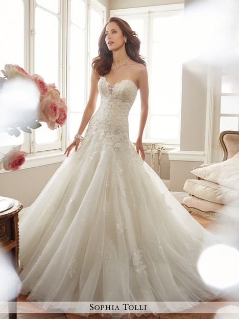 Deon (Y11715) gown from the 2017 Sophia Tolli collection, as seen on dressfinder.ca