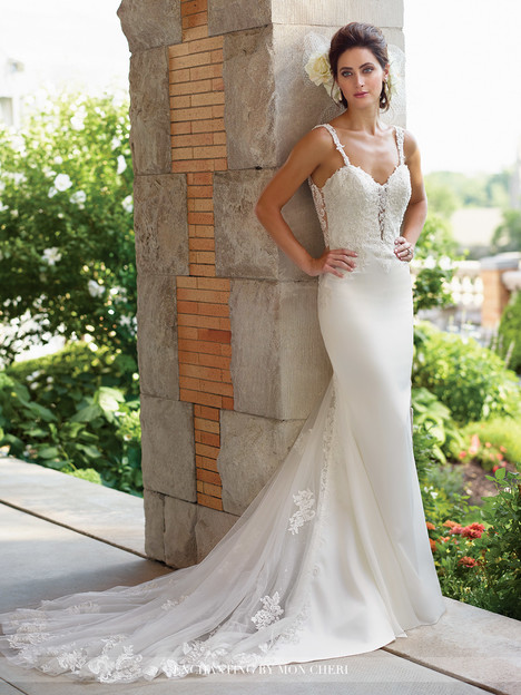 117173 Wedding                                          dress by Enchanting by Mon Cheri