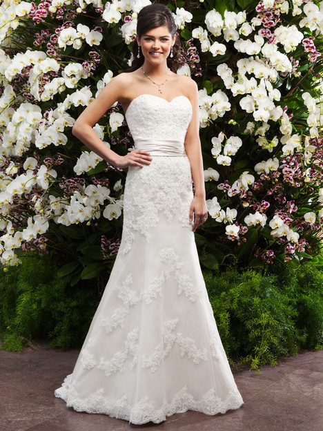 3722 Wedding dress by Sincerity