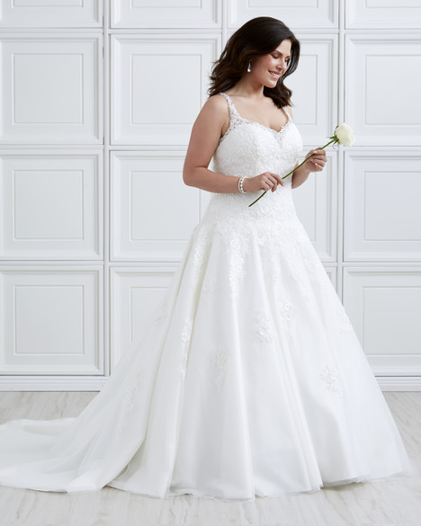 7026W Wedding                                          dress by Romantic Bridals : Romantic Plus