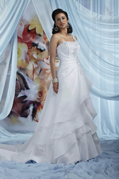 10013 Wedding                                          dress by Impression