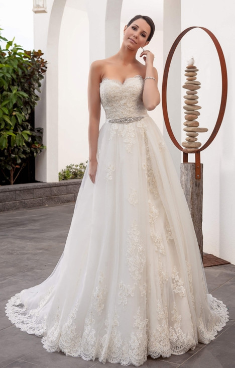 4202 Wedding                                          dress by Christina Rossi