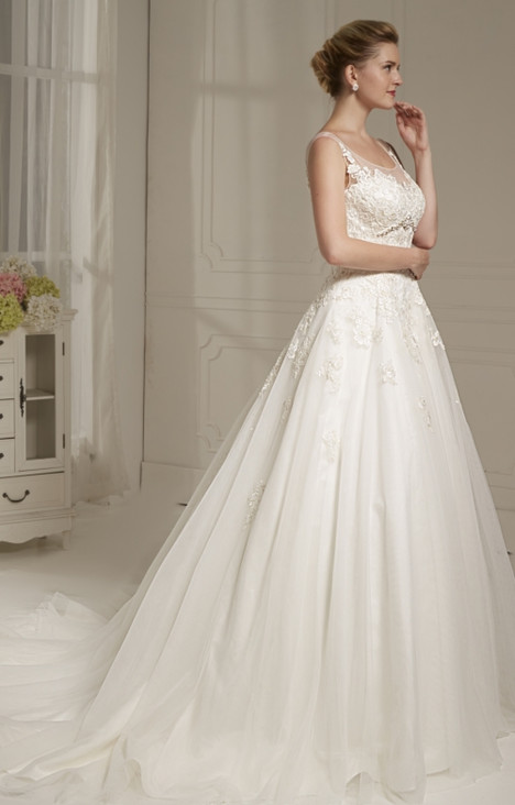 4211 Wedding                                          dress by Christina Rossi