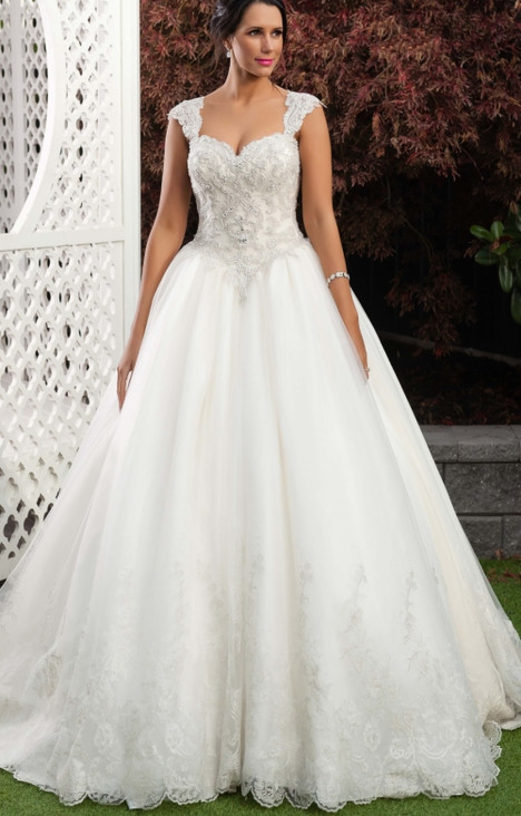 4294 Wedding dress by Christina Rossi