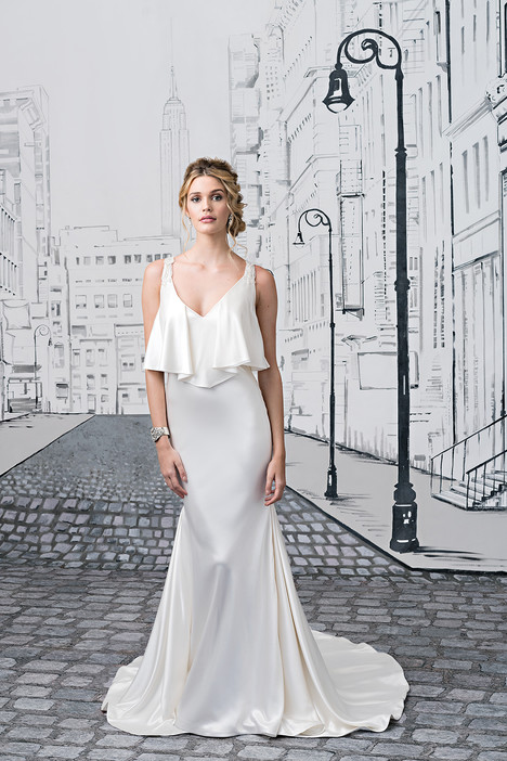 Style 8876 gown from the 2017 Justin Alexander collection, as seen on dressfinder.ca