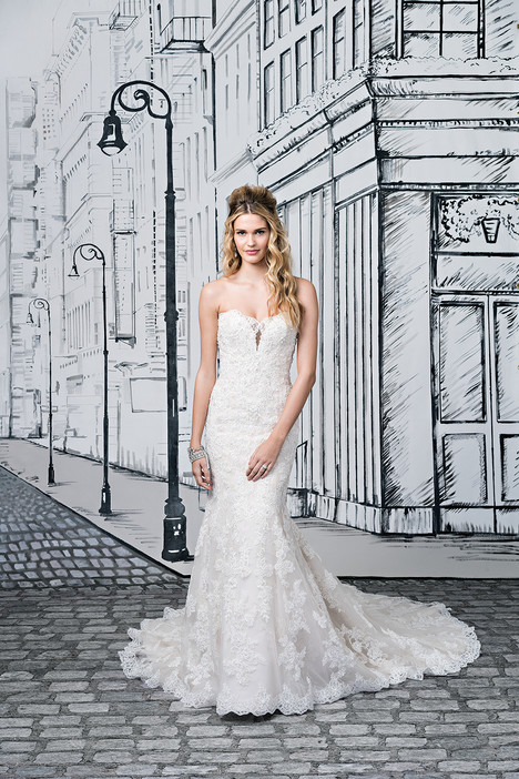 Style 8884 gown from the 2017 Justin Alexander collection, as seen on dressfinder.ca