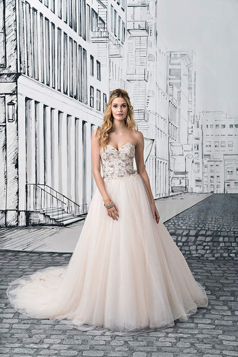 Style 8889 gown from the 2017 Justin Alexander collection, as seen on dressfinder.ca