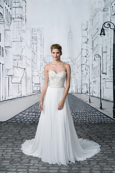 Style 8895 gown from the 2017 Justin Alexander collection, as seen on dressfinder.ca