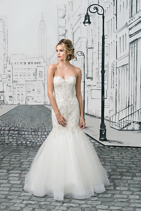 8896 gown from the 2017 Justin Alexander collection, as seen on dressfinder.ca