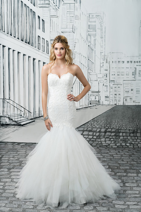 Style 8899 gown from the 2017 Justin Alexander collection, as seen on dressfinder.ca